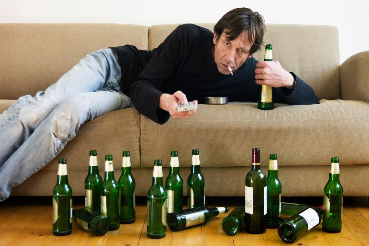 Как остановить запойный алкоголизм?