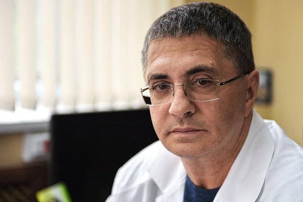 Мясников назвал переизбыток кальция симптомом рака