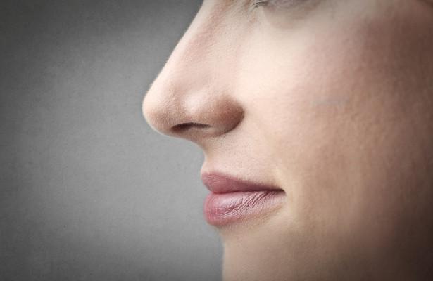 Медики признали безболезненную опухоль в шее первым признаком рака носоглотки
