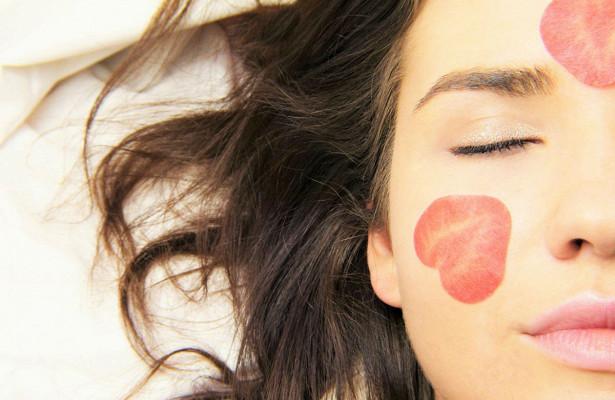 Названы первые признаки рака кожи