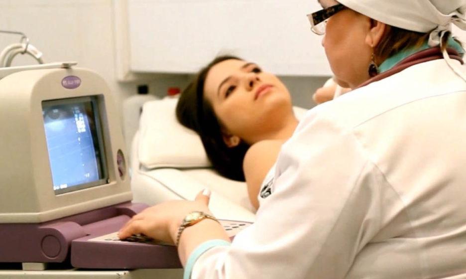 Онкологи подсказали, как часто нужно проверяться на рак груди