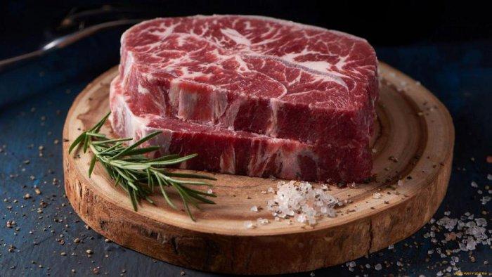 Употребление красного мяса повышает риски онкологии на 17%, — ВООЗ