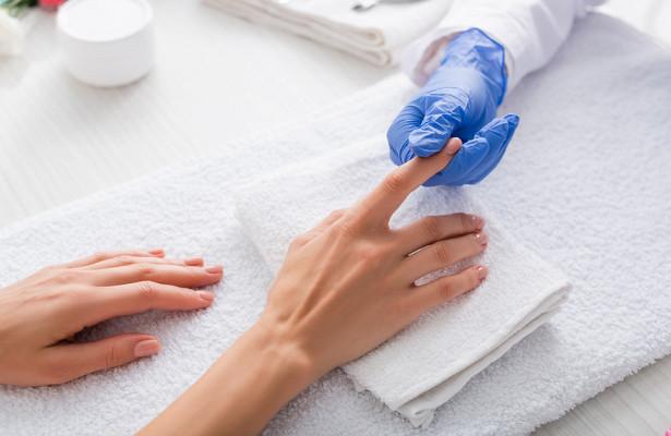 Назван способ узнать о раке по цвету ногтей