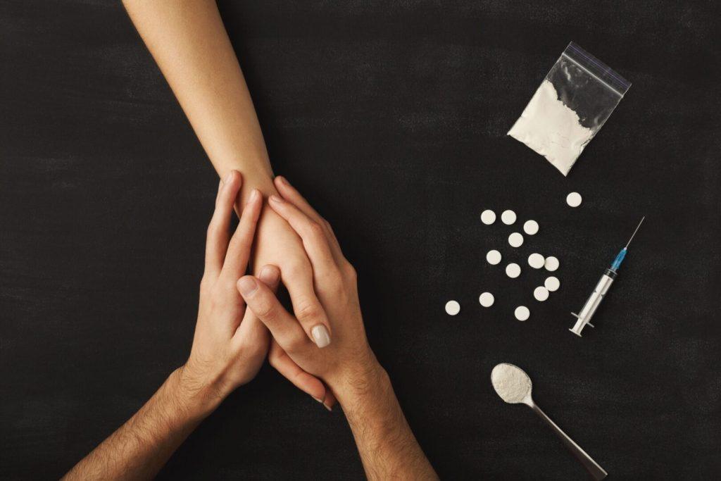 Лечение наркомании: как распознать наркомана?