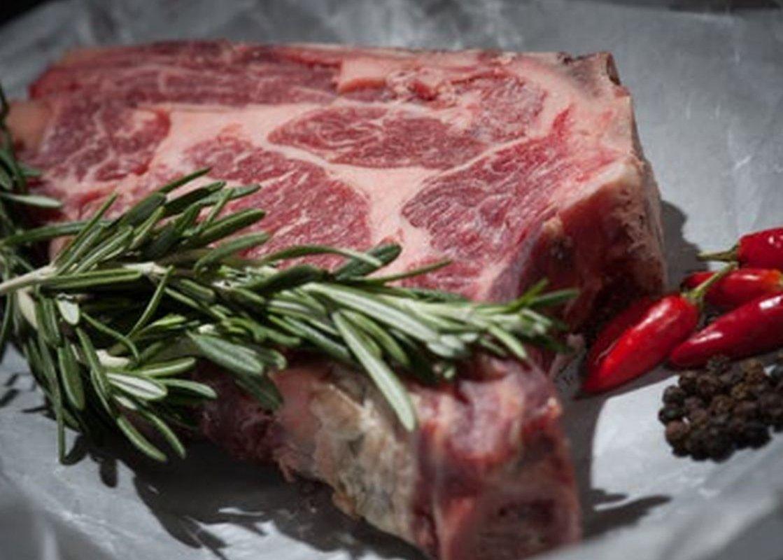 Онколог Карасев назвал продукт, на 47% повышающий риск смерти от рака кишечника