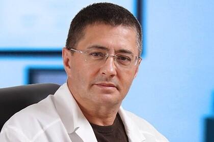 Доктор Мясников перечислил провоцирующие рак продукты